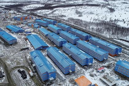 В российском вахтовом поселке выявили 105 заразившихся коронавирусом