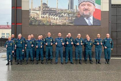 В Чечне весь состав МЧС побрился налысо вслед за Кадыровым