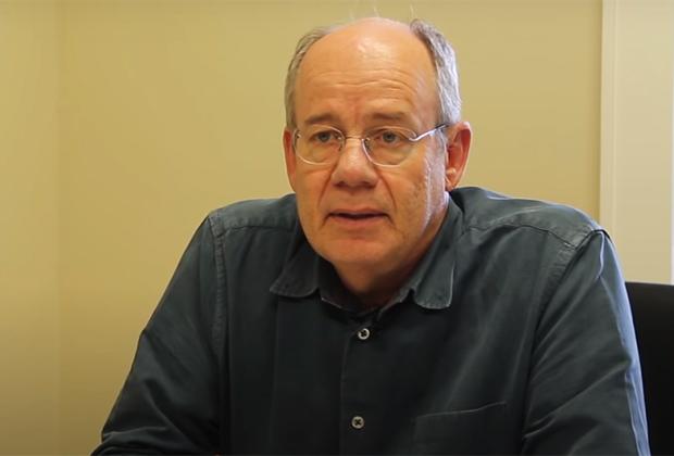 Журналист и писатель Стив Вик