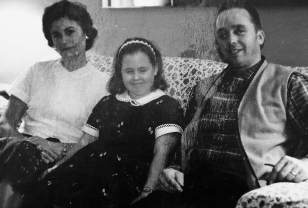 Луиза Пьетрюич с дочерью Сэнди Блэмпид и мужем Албином