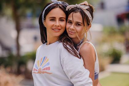 Александра Зверева с дочерью Василисой