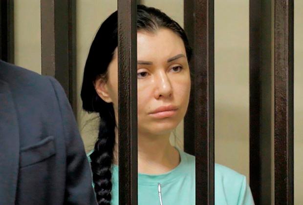 Алена Верди в зале суда