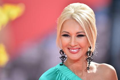 Лера Кудрявцева подала в суд на оскорблявшего ее продюсера «Ласкового мая»