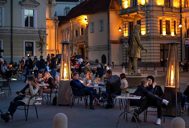 Вильнюс после ослабления ограничений в конце апреля. Власти разрешили работу объектов на открытом воздухе