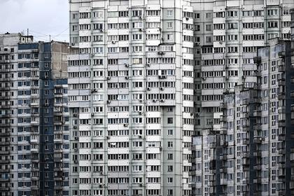 Двое детей выпали из окна и разбились в Москве