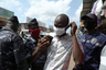 В начале апреля ивуарийцы взбунтовались и разрушили строящийся центр тестирования на коронавирус. Местные жители сочли, что из-за учреждения зараза распространится в их районе.