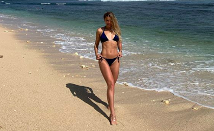 Российская конькобежка поделилась фото в бикини и восхитила фанатов