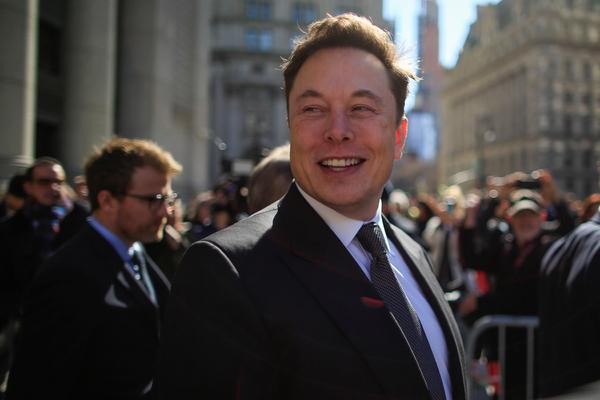 Илон Маск начал избавляться от недвижимости в США