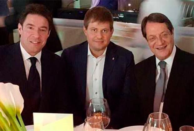 Открытие бутика Graff в Лимасоле. На фото слева на право: Франсуа Графф, Дмитрий Цветков, президент Кипра Никос Анастасиадис.