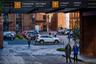 """Товарищество Даниловской мануфактуры — одна из крупнейших компаний в Российской империи. Производственная база товарищества располагалась между Варшавским шоссе и Москвой-рекой. Основателем объединения выступил купец Мещёрин, который в 1876 году выделил средства для строительства ткацкой фабрики. Поначалу на ней в основном производили <a href=""""https://ru.wikipedia.org/wiki/Миткаль_(ткань)"""" target=""""_blank"""">миткаль</a> (ткань для дальнейшего изготовления ситца). Со временем мануфактура разрослась и выпускала уже 150 сортов ткани.<br><br>В настоящее время вся территория делового квартала «Даниловская мануфактура» отдана под апарт-комплексы, лофты и офисы. Здесь находится и редакция «Ленты.ру»."""