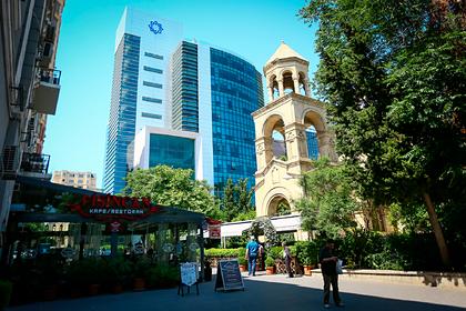 Эксперт спрогнозировал сокращение числа банков вАзербайджане почти впять раз