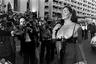 Актриса Эди Уильямс не стеснялась раздеваться на экране — особенно в фильмах своего супруга, творца жанра сексплотейшн Расса Мейера. Прошлась она топлес и по Круазетт — на Каннском фестивале 1977 года, вскоре, к слову, после развода с Мейером.