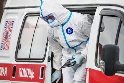 Российским медикам выделят надбавки за работу с заболевшими коронавирусом