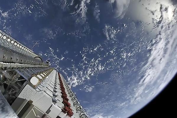Спутники SpaceX оказались «Черным валетом»