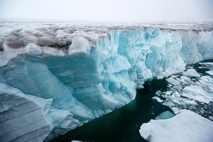 Объяснено движение северного полюса в сторону России