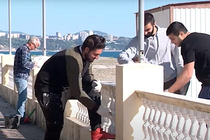 Происходящее в Сочи во время подготовки к курортному сезону показали на видео
