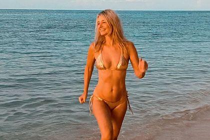 54-летняя бывшая супермодель показала тело в бикини