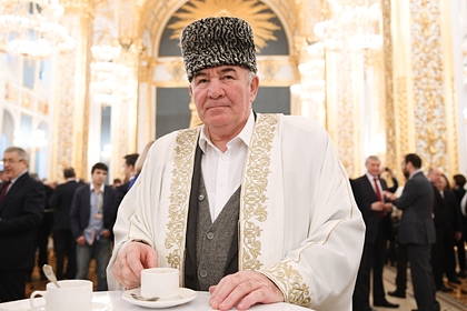 Предлагавший обрезать всех женщин российский муфтий заразился коронавирусом