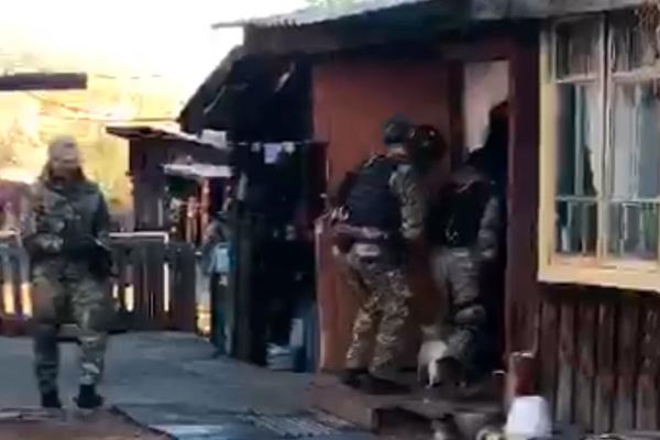 Похитители 10 дней пытали россиянина оголенными проводами и избивали