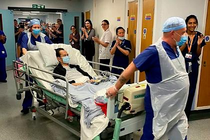 Бывший медбрат рискнул жизнью ради зараженных коронавирусом и прославился
