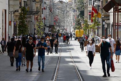 Турция временно отказалась принимать российских туристов