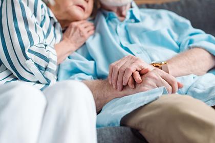 Зараженные коронавирусом супруги умерли с разницей в несколько часов