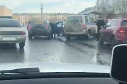 Российский подросток-гонщик устроил часовую полицейскую погоню и попал на видео