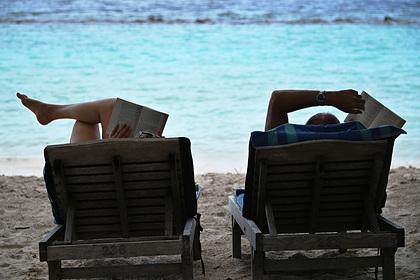Предсказаны войны за лежаки на популярных курортах после пандемии коронавируса