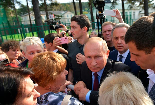 Владимир Путин на встрече с жителями Тулуна