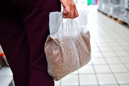 Российские магазины официально поймали на завышении цен на гречку