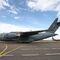 Американский военный самолет С-17 с первой партией аппаратов ИВЛ после приземления в аэропорту Внуково-3