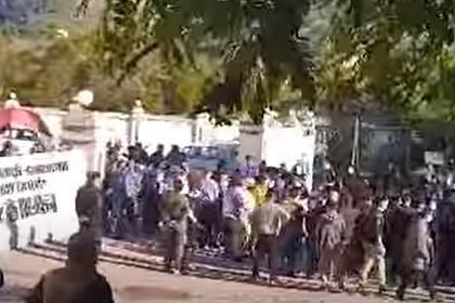 В Таджикистане со стрельбой разогнали взбунтовавшихся китайских рабочих