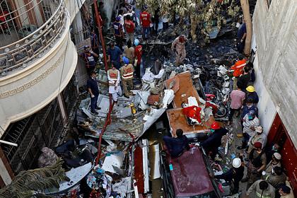 Названо число погибших в авиакатастрофе в Пакистане