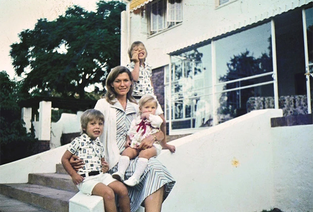 Мэй Маск с детьми, 1976 год