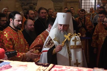 Российский священник пошел на рынок без маски и столкнулся с полицией