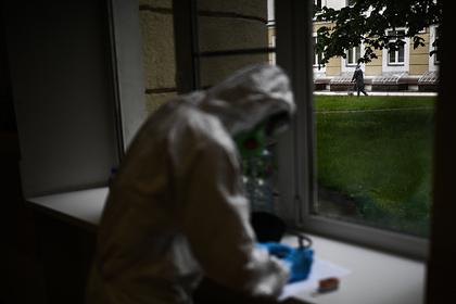 Российских медсестер заперли в морге после контакта с зараженным коронавирусом