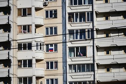Мальчик-лунатик выпал из окна шестого этажа и выжил