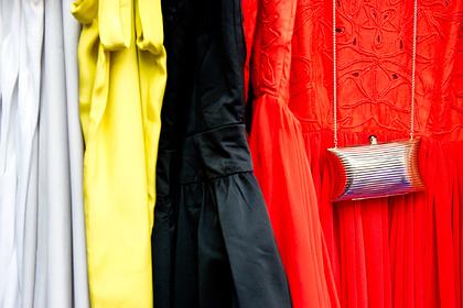 Дешевой одежде предрекли исчезновение из-за пандемии коронавируса