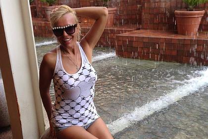 Российская писательница чуть не умерла из-за разрыва силиконового импланта