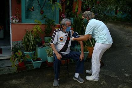 Бразилия вышла на первое место по росту смертей от коронавируса