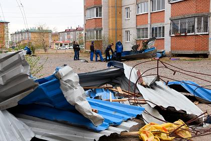 Центральной России и Сибири предсказали ураганы и смерчи летом