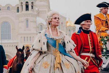 Сыгравшая Екатерину II в российском сериале актриса ответила критикам «Великой»