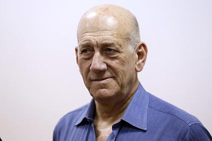 Отсидевший за коррупцию экс-премьер Израиля призвал посадить Нетаньяху за то же