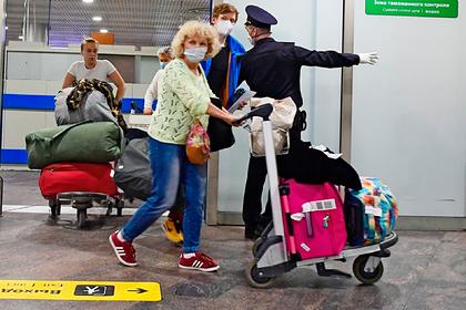 Россиянам озвучили сроки возобновления поездок за границу
