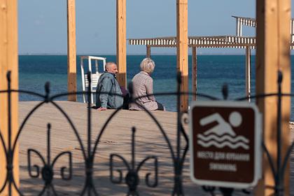 В Крыму оценили вероятность заражения коронавирусом во время купания