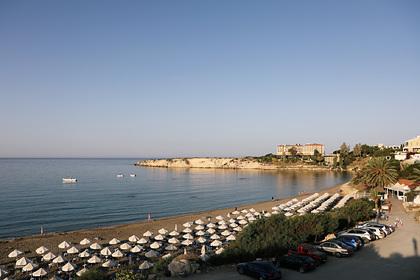 Кипр пообещал оплатить отдых туристов с коронавирусом