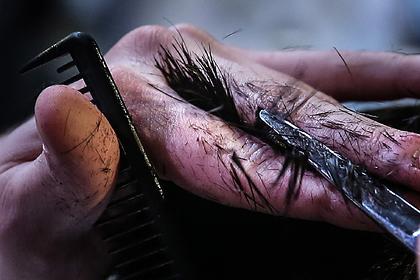 Российский парикмахер работал два дня без перерыва и установил мировой рекорд