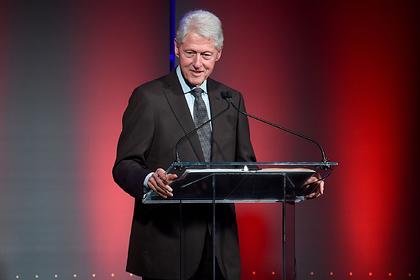 Билл Клинтон отреагировал на новые данные о посещении «педофильского острова»