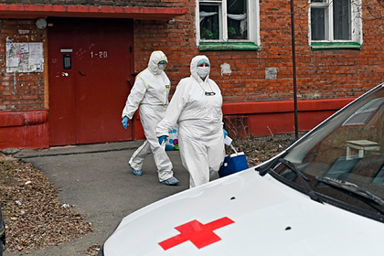 Медики оставили перенесшего COVID-19 россиянина соседям и соврали о его болезни