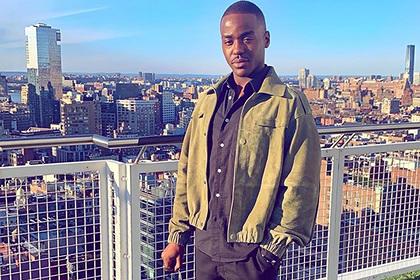 «Половое воспитание» спасло темнокожего актера от жизни на улице